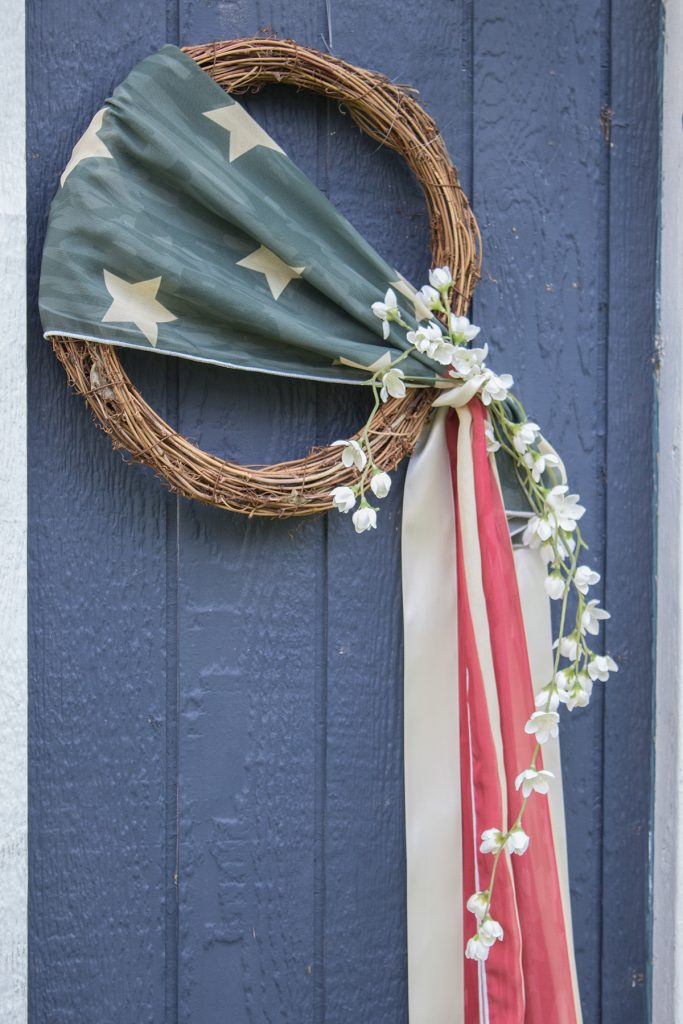 red white and blue wreath DIY Easy