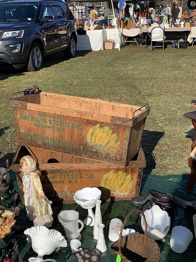 vintage banana boxes rare flea market finds
