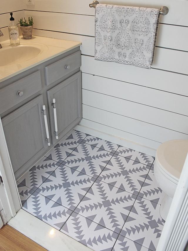 Floor Stickers in the Bathroom!