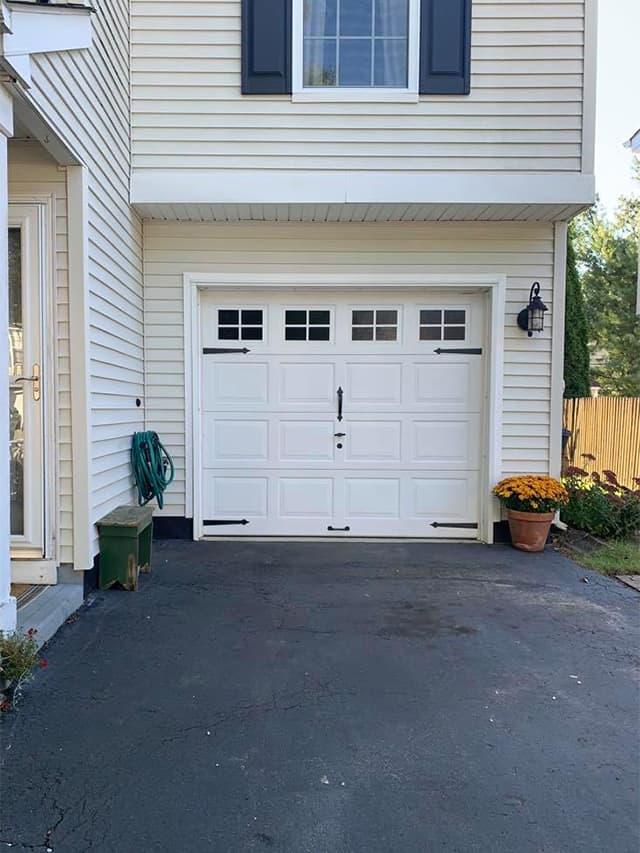 Easy Garage Door Makeover!