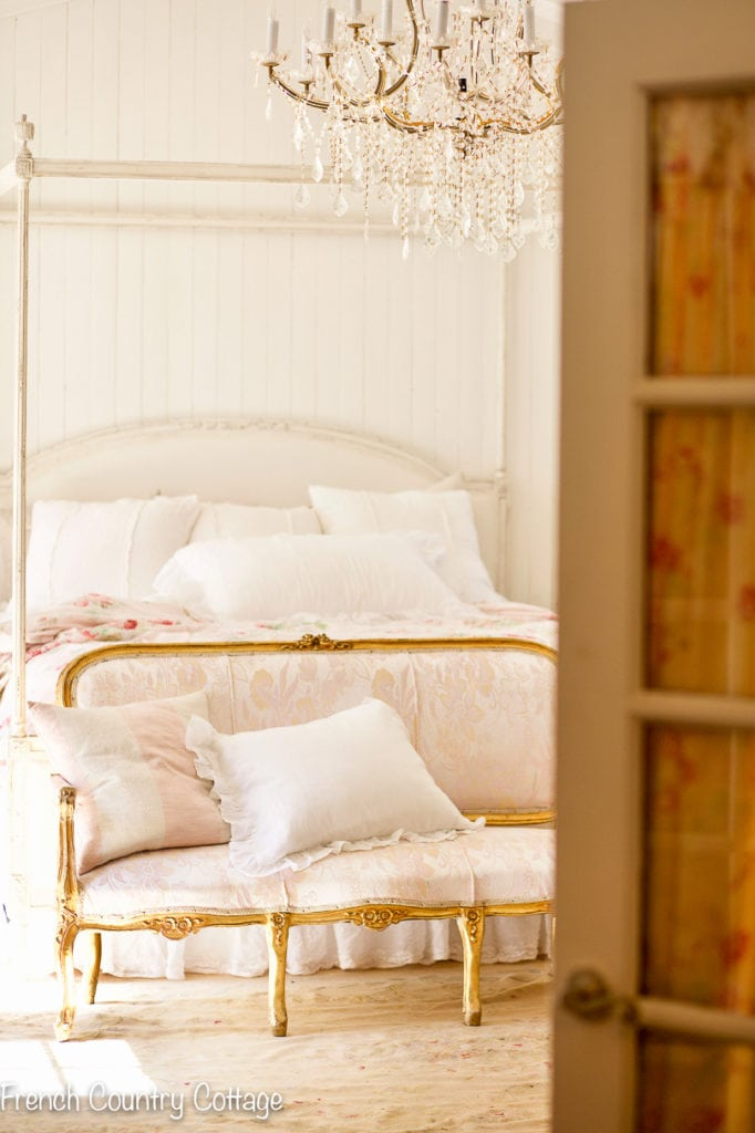 romantic style bedroom