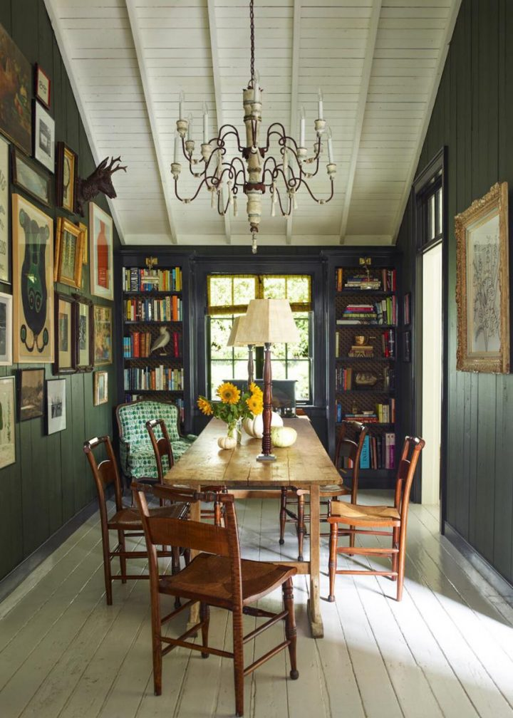 English cottage style dining room