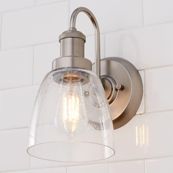 classic bathroom lighting fixtures