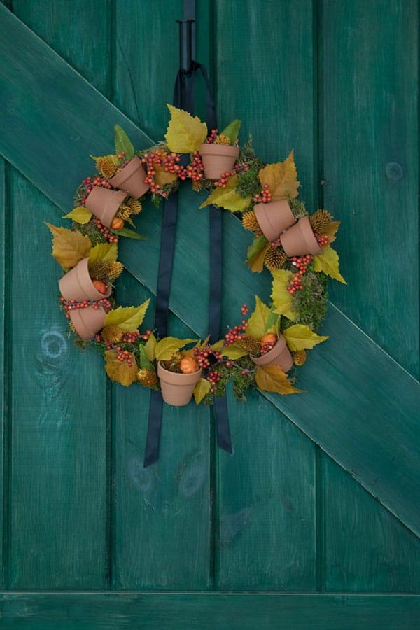 DIY Fall wreath with mini terracotta pots
