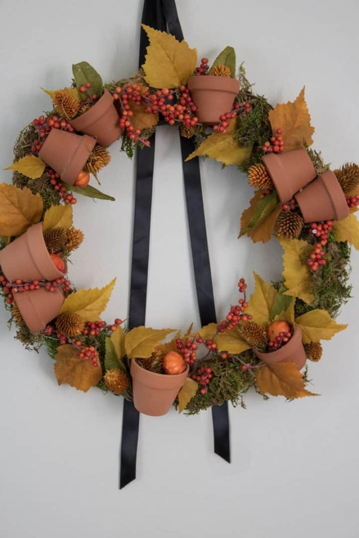 DIY Autumn wreath with mini terracotta pots how-to