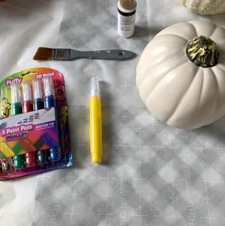 SUPPLIES-NEEDED-FOR-NO-SEW-SWEATER-PUMPKIN