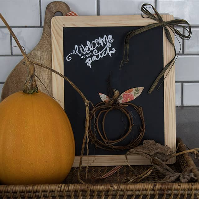How to make the cutest little grapevine fall pumpkin sign